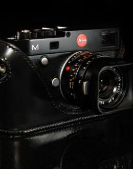 Leica M240 camera case in black leather